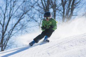 Kind fähhrt Ski